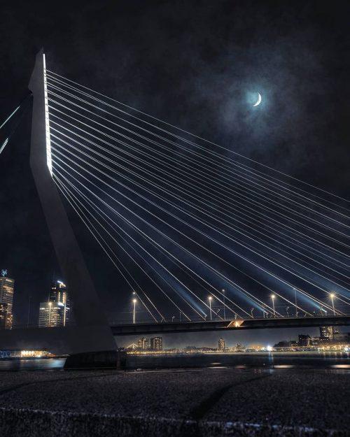 Giantific - Rotterdam - Blue Hours